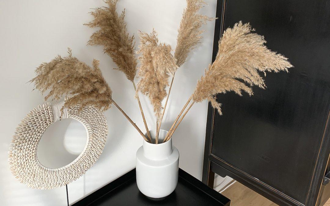 Pampasgras, wilgenkatjes en droogbloemen, de nieuwe trend in het interieur!